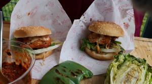 Daeji  Bulgogi Burger mit Ssamjang
