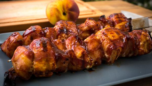 Hähnchen Pfirsich Bacon Spieße