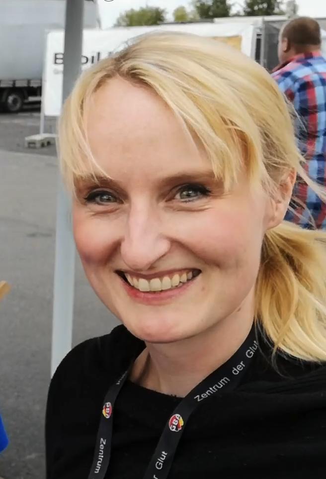 Die Frau am Grill bei der Deutschen Grillmeisterschaft 2019