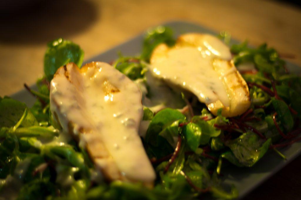 Gegrillter Birnensalat mit Gorgonzola
