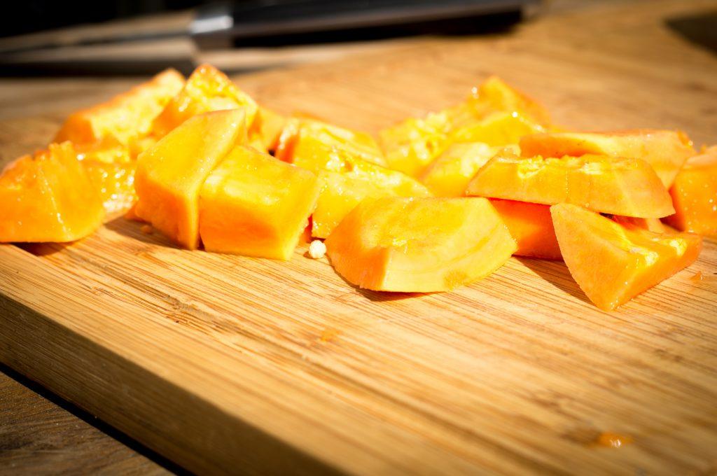 Papaya gewürfelt
