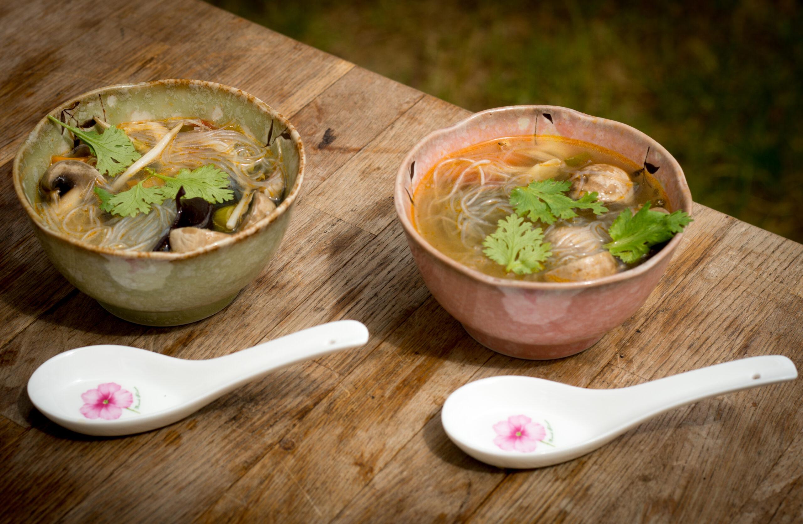 Indonesische Bihunsuppe aus dem Dutch Oven - Das einzige Dosenfutter was man essen kann als leckeres Rezept gedutchet - By Daughter & Dad's Sizzlezone