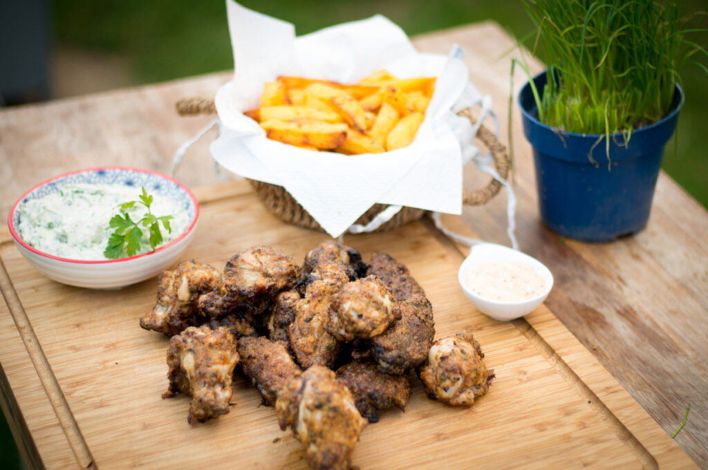 Chicken Wings mit Parmesankruste und Blue Cheese Dip