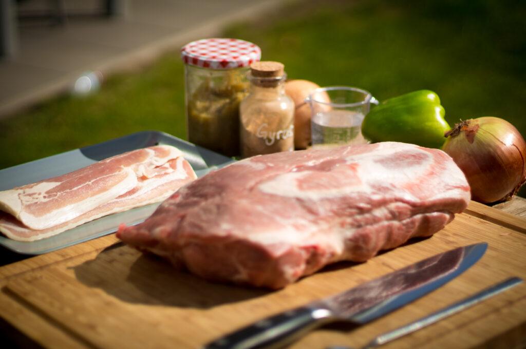 Gyros Schichtfleisch aus dem Dutch Oven