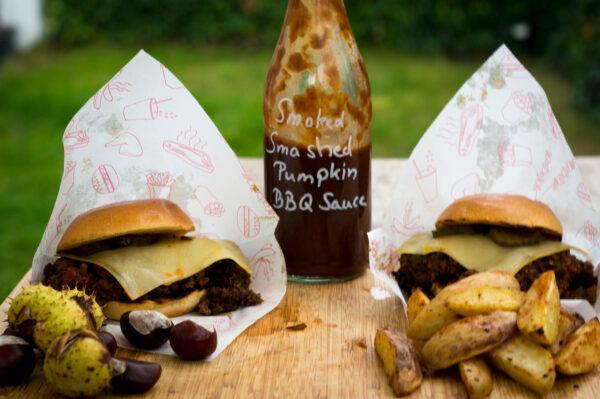 Sloppy Joes mit Smoked Smashed Pumpkin BBQ Sauce