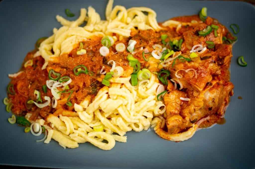 chicken paprikash - ungarisches Paprikahuhn