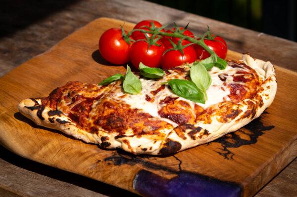 Gefüllte Pizza BBQ mit Pulled Pork